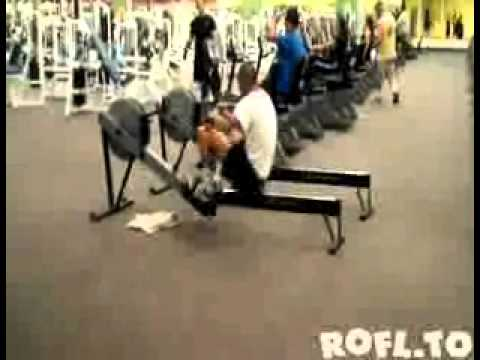 BIGGEST FITNESS FAIL YOU HAVE EVER SEEN !