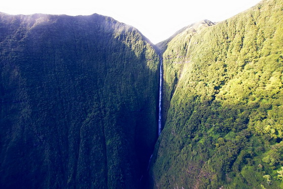 8. Pu'uka'oku Falls – 10 Highest Waterfalls
