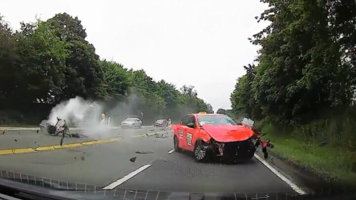 Ultimate driving fails compilation 2020 – 10   bad drivers, idiots in cars.